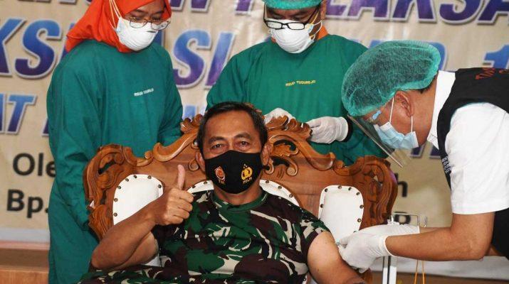 Pangdam-IV-Diponegoro-Divaksin-Covid-19-suluh.id