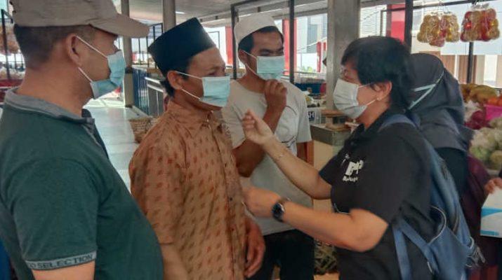 Pembagian Masker Di Pasar Bandungan