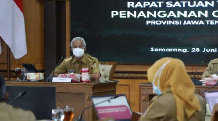 Ganjar Pranowo Rapat Satgas Covid